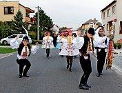 V Osvětimanech slavili hody už podruhé po sobě bez stárků. Na úřad městyse si i tak došla chasa čítající na dvě desítky páru pro hodové právo.