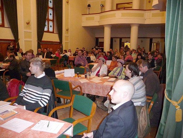 Obyvatelé Uherského Hradiště probrali se zástupci Uherského Hradiště témata, která jim ztěžují život