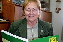 Sedmdesátiletá Marie Gejdošová, jednatelka Okresního mysliveckého spolku Uherské Hradiště, hospodářka Mysliveckého sdružení Kněžpole a členka Mysliveckého sdružení v Boršicích u Blatnice.