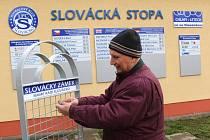 Při slavnostním odhalení Slováckého zámku byla zároveň odhalena i pětice nových stop, které patří Jaroslavu Chajdovi, Antonínu Juranovi, Michalu Kadlecovi, Jiřímu Kowalíkovi a Vladimíru Malárovi.