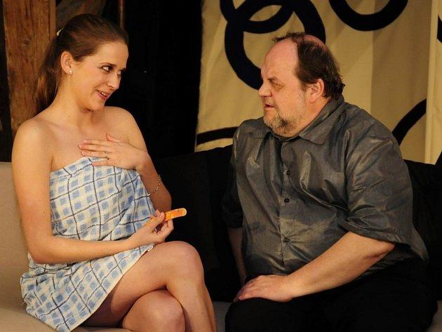 Konverzační komedie Milenka za dveřmi rozesměje návštěvníky Buchlova.
