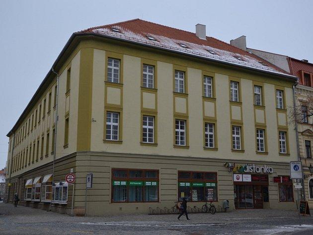 Dům č.p. 33, v přízemí samoobsluha Hradišťanka, dnes.