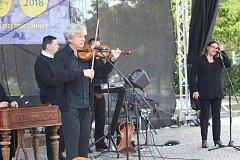 Obci Strání k jejímu jubilejnímu sedmistému výročí od první písemné zmínky zahrál i Hradišťan s Jiřím Pavlicou.