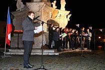 Pietní akt k výročí 17. listopadu na Mariánském náměstí v Uherském Hradišti.