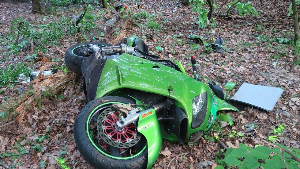 Nehoda motorkáře v Buchlovských kopcích