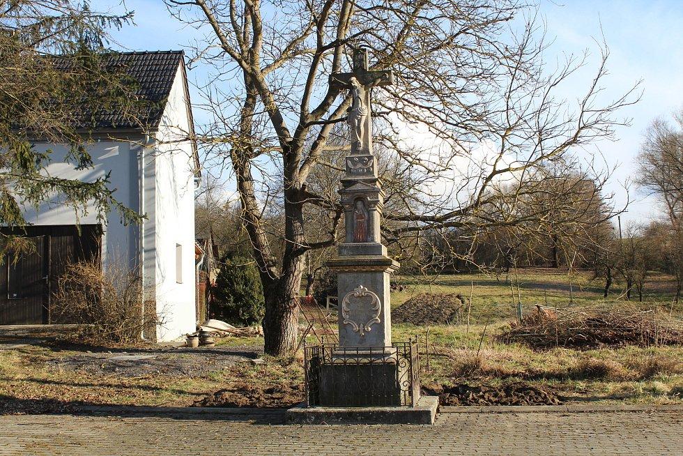 Částkov je vesnička s necelými čtyřmi stovkami obyvatel.