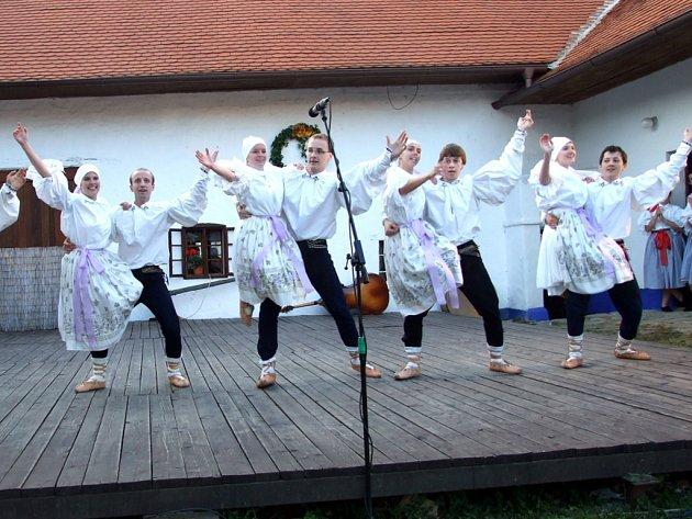 Do Topolné přijelo na folklorní festival sedm souborů, nechyběl mezi nimi ani Botík z Březolup.
