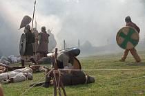 Velkomoravané bojovali v archeoskanzenu o hradiště.