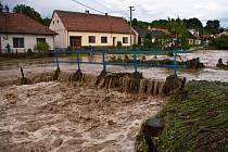 Blesková povodeň v Bystřici pod Lopeníkem, pondělí 10. června 2013.