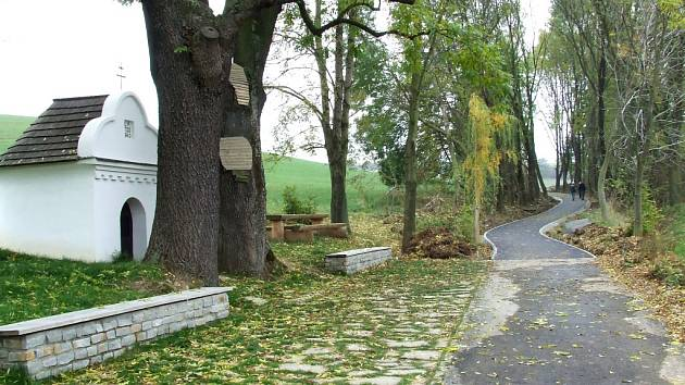 Cyklostezka propojí Buchlovice a Břestek v místech, kde v minulosti vedla polní cesta.