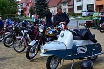 Ve Strání se sešli vyznavači motorek značky Jawa a ČZ.