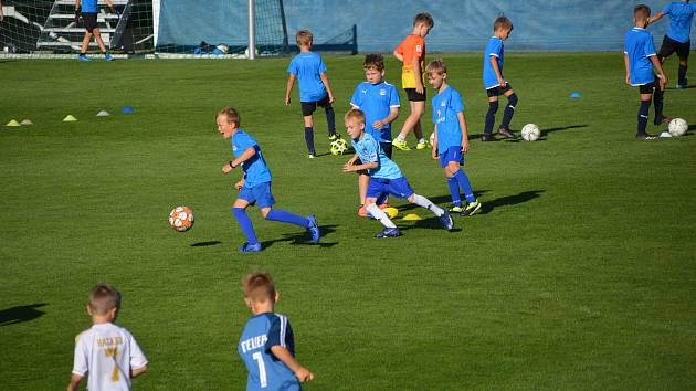 Ve čtvrtek odpoledne proběhl na Městském fotbalovém stadionu v Uherském Hradišti otevřený trénink Klubové akademie 1.FC Slovácko.