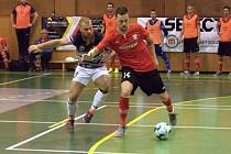 Futsalisté Uherského Hradiště (vlevo Martin Janečka) prohráli v semifinále Poháru FAČR  s Chrudimí 2:5.