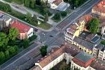 Hlavní křižovatka v Uherském Hradišti z balonu.