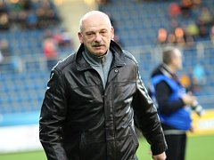 1. FC Slovácko vs. FK Teplice. Trenér Slovácka Stanislav Levý.