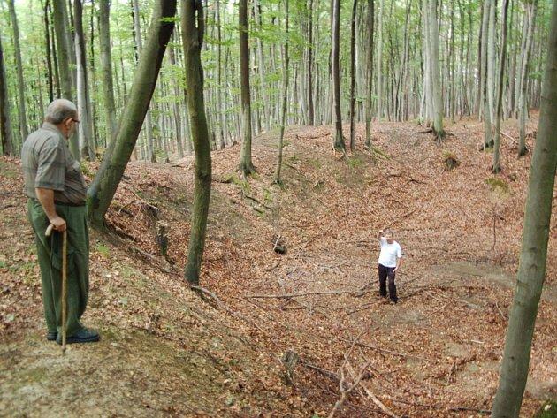 Metodějova jama – tady se před osmdesáti lety kopalo.