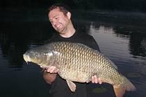 Soutěžní číslo 57: Tomáš Horník, kapr, 89 cm a 16 kg