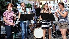 Obory ZUŠ Slovácko se prezentovaly v ulicích Hradiště.