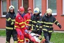 Cvičení složek Integrovaného záchranného systému zaměřené na řádění šíleného střelce ve škole uspořádali v SOŠ Mojmír v Uherském Hradišti.