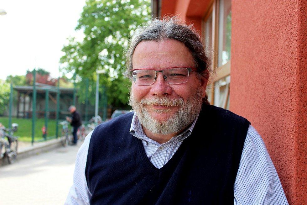 Alexandr Vondra na 10. ročníku výstavy vín ve Starém Městě.