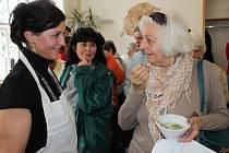 V muzeu se v sobotu vařila salátová omáčka. Návštěvníci si na ní pošmákli.