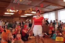 Karneval zpestřila pohádka o Karkulce