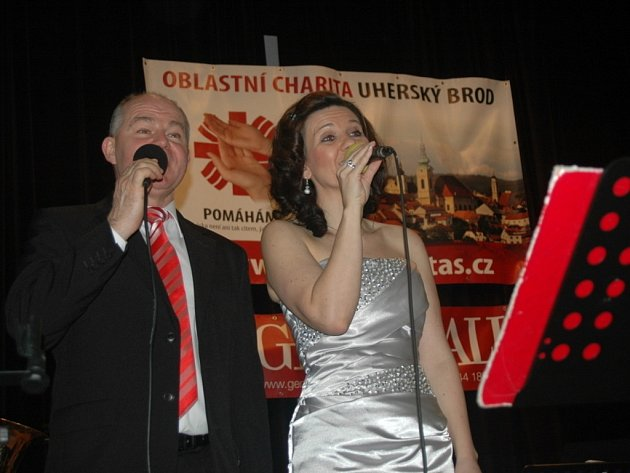 Výtěžek z charitativního plesu v Nivnici bude věnován na nákup zdravotních pomůcek.