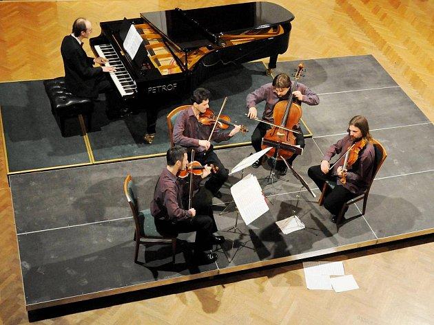 V. abonentní koncert Graffova kvarteta.