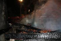 Plameny napáchaly na rodinném domě škodu 800 tisíc korun