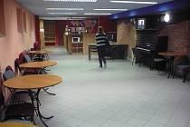 Prostor S-Klubu je díky stávajícímu vybavení prakticky okamžitě připraven pro potřeby nových uživatelů.