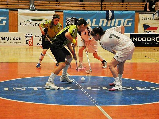 Broďanky (v tmavém) na turnaji vyhrály čtyři ze šesti zápasů.