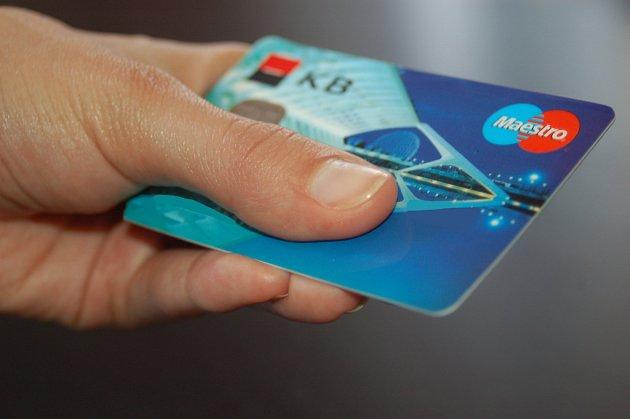Placení cizí kartou nemusí být tak obtížné, jak si možná mnozí myslí.