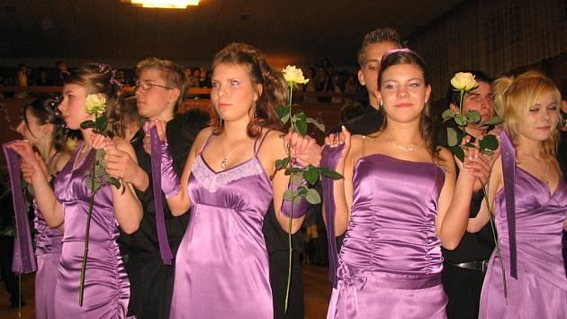 Osmiminutový tanec sledovalo 600 diváků.