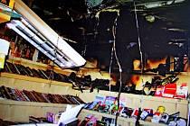Hasiči museli likvidovat požár novinového stánku v Uherském Ostrohu.