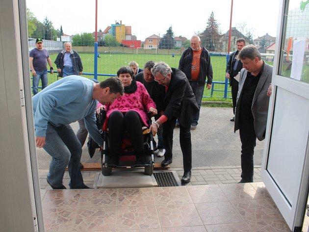 Na setkání občanů Jarošova s vedením Uherského Hradiště se mimo jiné řešila i možnost bezbariérového přístupu do tamější školy.
