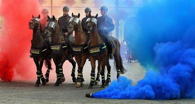 Den s Českou policií na Masarykově náměstí v Uh. Hradišti