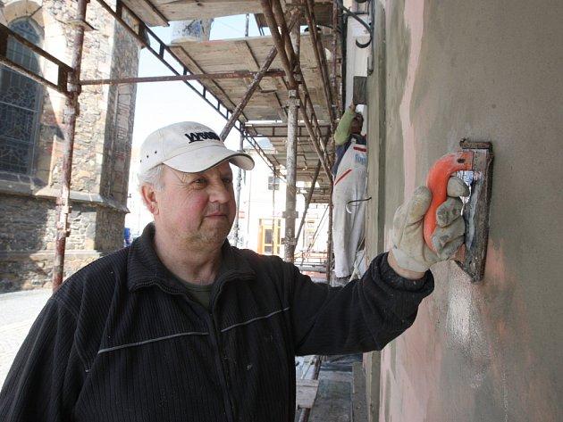 Dobré zateplení fasády pomůže uspořit energii.