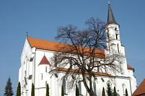 Kostel v Březové.