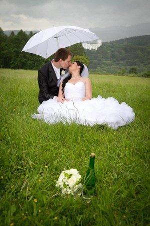 Soutěžící svatební pár číslo 33 - Jindřiška a Jan Mošťkovi, Uherský Brod-Těšov.