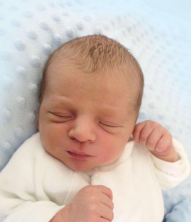 Filip Čerešňák, Lipov, narozen 4. dubna 2021 v Uherském Hradišti, míra 49 cm, váha 3160 g
