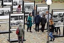 Výstava Okamžiky 100letí na Mariánském náměstí v Uherském Hradišti.