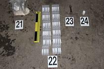 Kriminalisté při raziích zajistili značné množství důkazů.