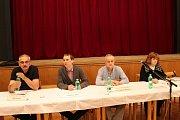 Veřejného projednávání se v kulturním domě zúčastnilo několik desítek Bojkovjanů.