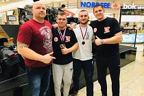 Elitní český pákař Dušan Tesařík i s dalšími hluckými závodníky přišel o mistrovství Evropy.