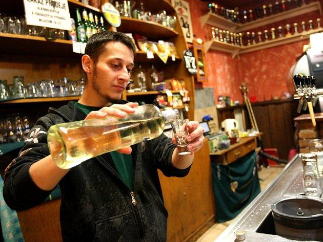Prodej alkoholu jen s koncesí. Ilustrační foto.