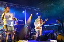 Skupina Monkey Business to v pátek v Hradišti roztočila v rámci Slováckého léta.