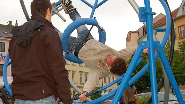 Adrenalinové pocity mohli zažít odvážlivci kteří vstoupili na aerotrim.