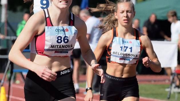 tři vítězky ze Slovácké Slavie Jana Polášková, Natálie Nagyová a Karolína Mitanová.