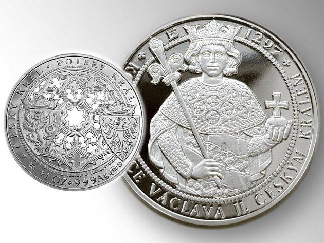 Korunovaci Václava II. připomíná medaile vyrobená podle návrhu Zbyňka Fojtů.