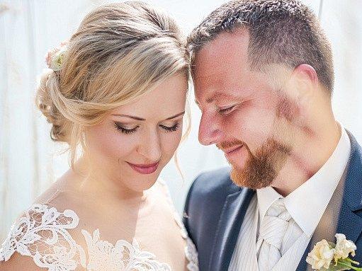 Soutěžní svatební pár číslo Soutěžní svatební pár číslo 99 - Míša a Petr Kvapilovi, Litovel